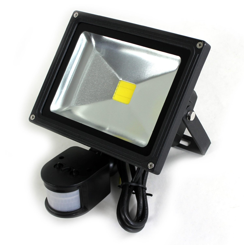 Relativ Test: lux.pro 10W LED SMD Strahler - LED Strahler mit Bewegungsmelder NF79